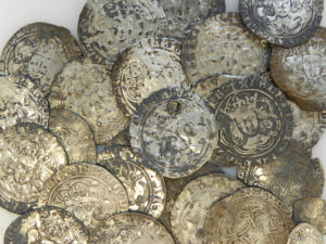 The Beeston Hoard of Medieval coins - obverse of coins, (LVPL-C920E4). Copyright: Portable Antiquities Scheme. License: CC-BY.