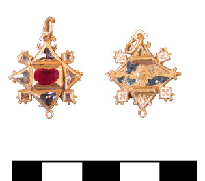 ESS-0144A4 Elizabethan gold pendant with diamonds and a ruby.