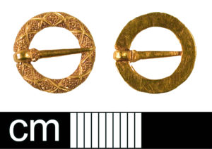 Image of a Medieval gold brooch found in Hertfordshire (BH-140512). CC-BY Licence