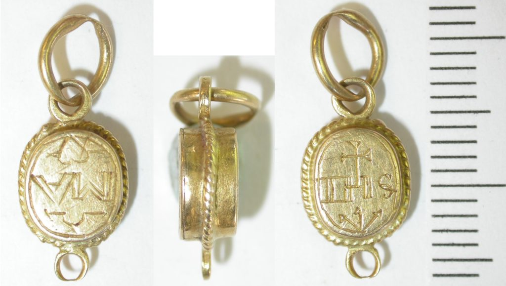 Post Medieval gold jewellery link.