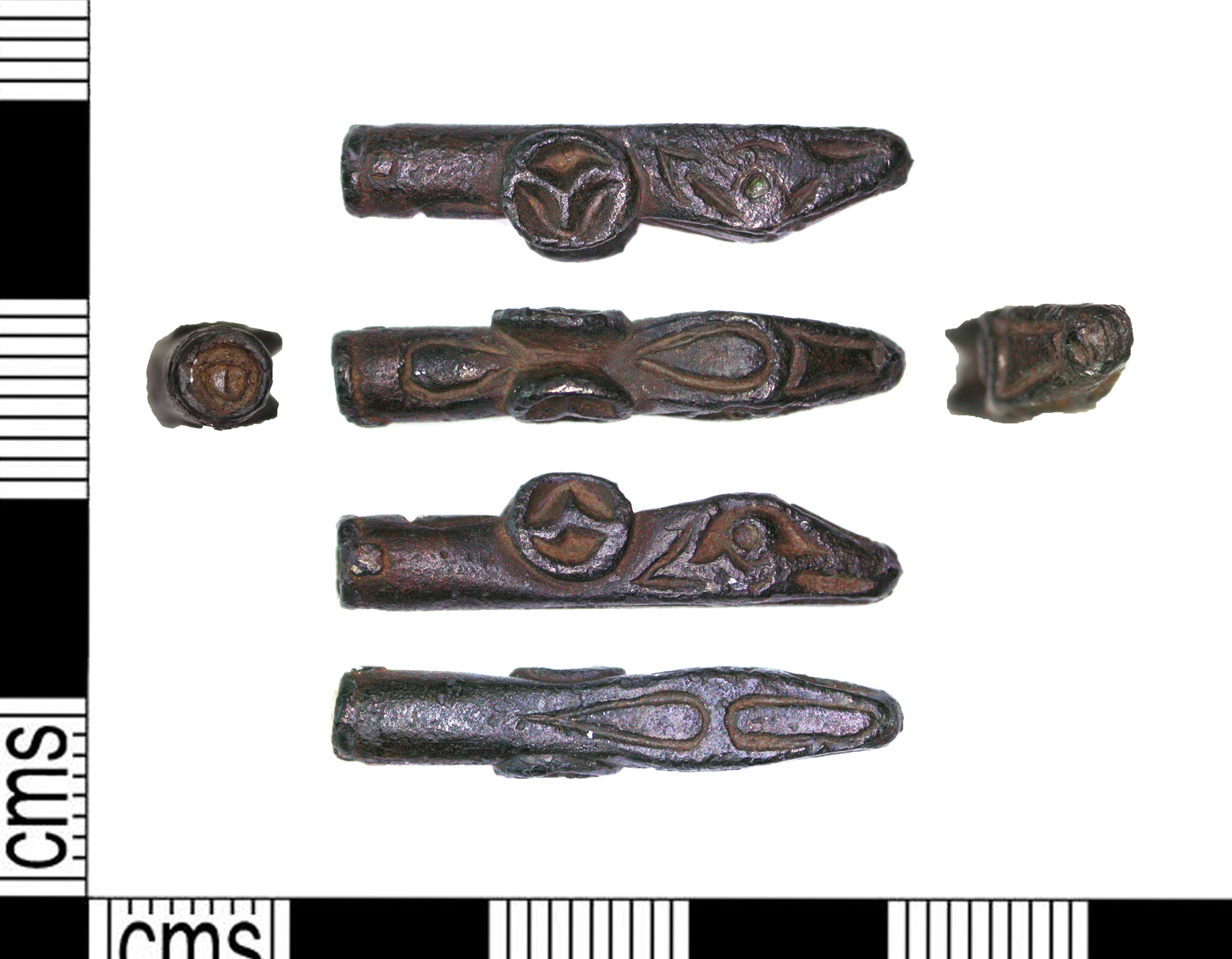 An early medieval zoomorphic mount made out of silver