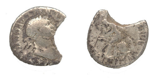 WAW-2115D2: Obverse and reverse of a Trajan coin.