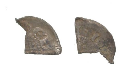WAW-329A15: Obverse and reverse of an incomplete Henry III cut halfpenny.