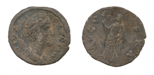 WAW-893CD3: Obverse and reverse of a Faustina I denarius.
