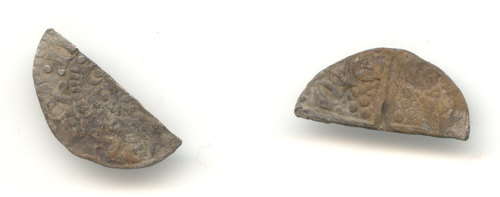 WAW-F6FB84: Obverse and reverse of a Henry III cut halfpenny.