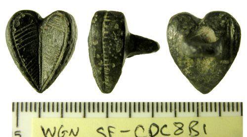 SF-CDC8B1: Medieval button