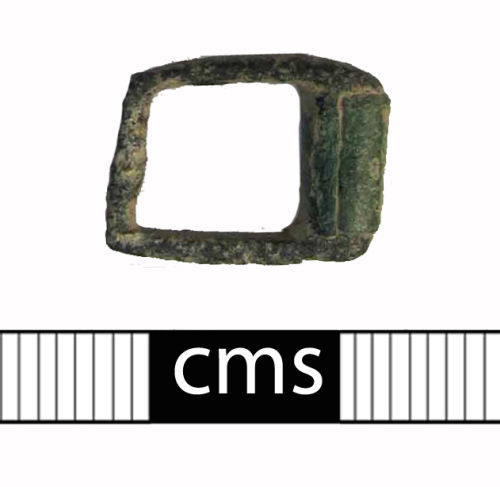 BERK-098C07: Medieval buckle: Roller buckle