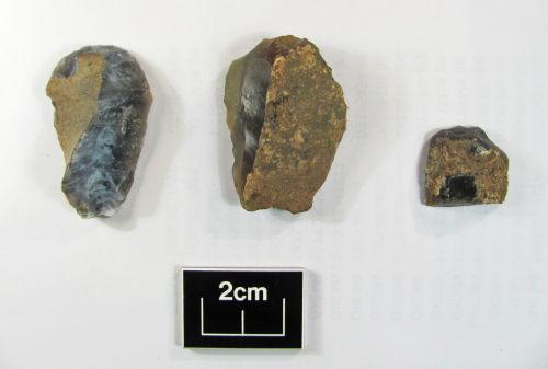 BERK-E8EFBC: Mesolithic scraper: Three end (nose) scrapers