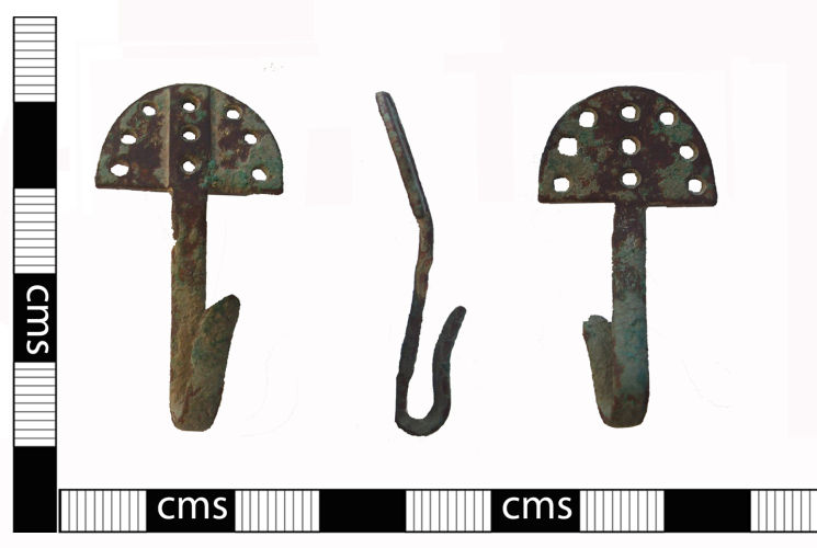 BERK-179E41: Cholsey: Post-medieval hook clasp or mount