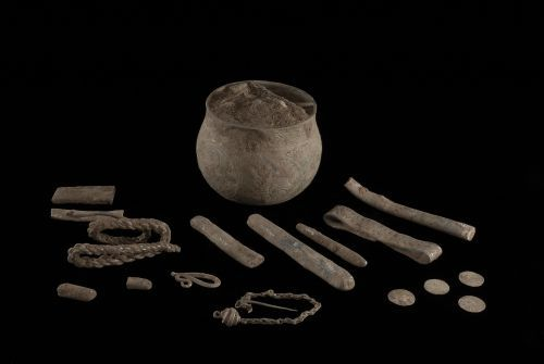 SWYOR-AECB53: The Vale of York Hoard