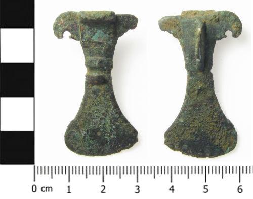 SWYOR-B8E3A7: Small long brooch