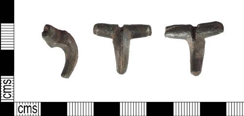 LIN-D8F608: Roman copper alloy dolphin brooch