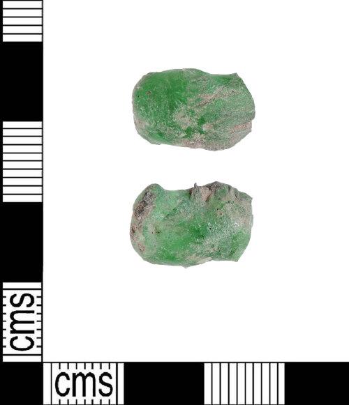 LIN-DE130A: Fragment of glass