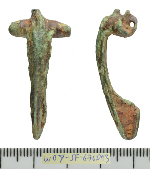 SF-676D93: Roman brooch of Colchester Derivative double-lugged type