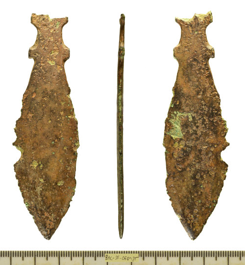SF-0FB985: Copper-alloy razor of Late Bronze Age date