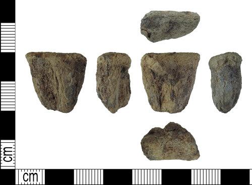 DENO-BB3599: Post-medieval vessel leg