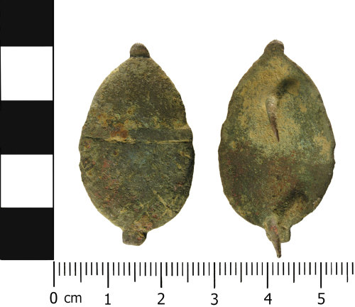 WMID-87E6F6: A complete Post Medieval, copper alloy mount (front and reverse).