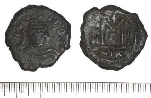 WMID-8FC217: Early Medieval coin: Byzantine follis of Heraclius (obverse and reverse)