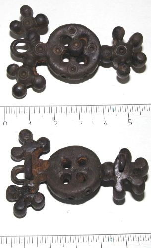 A resized image of Brooch
