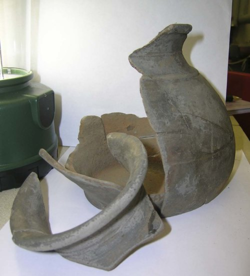 A resized image of Roman 2nd/3rd vessel, Severn Valley ware.