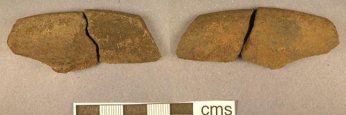 LANCUM-B26142: Roman pottery sherd (obv., rev.)