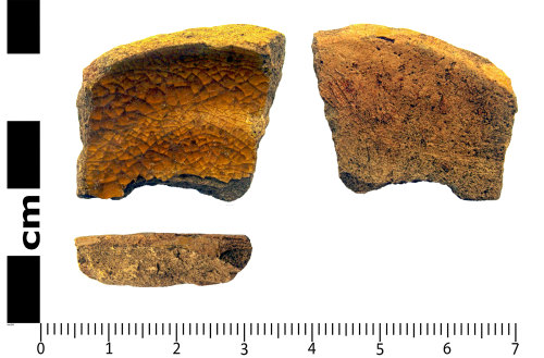 LANCUM-25DE5D: Bottom sherd, glazed ware
