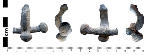 LANCUM-503303: Lead crossbow brooch, possibly a pattern