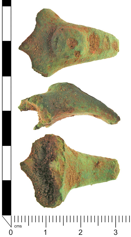 LANCUM-B198C8: Headstud brooch fragment