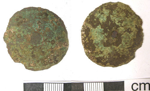 A resized image of Post-Medieval Button (front, back)