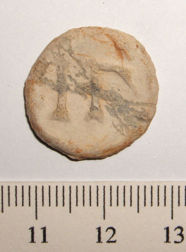 SUSS-F05FE2: Medieval to Post Medieval cast lead alloy circular unifaced token (1250-1850 AD).