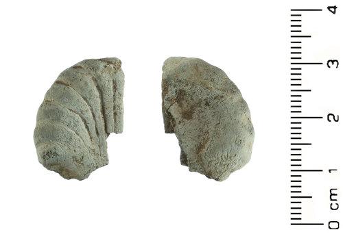 HESH-824781: Medieval: Ampulla