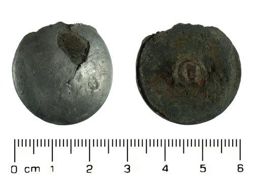 HESH-8C7DD4: Post Medieval: Button