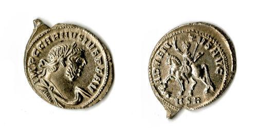SOM-5B9453: A silver denarius of Carausius