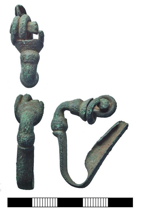 SUR-7022B7: Iron Age: Brooch