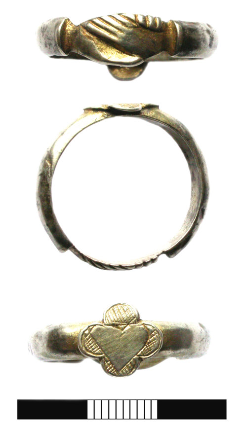 SUR-A6A0F4: Post medieval: Silver-gilt Fede finger ring
