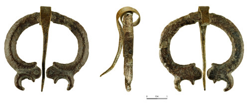 NMGW-5EE5EE: Roman leaded copper alloy penannular brooch