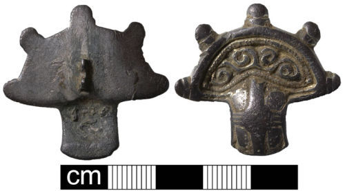 NMS-8FD211: Early Early Medieval brooch
