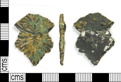 LEIC-2A9D30: Medieval 'lyre' type copper alloy strap end, 1350-1450