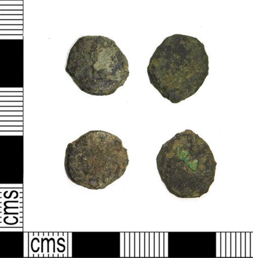 LEIC-488881: Two Roman copper alloy nummi, AD 315-410