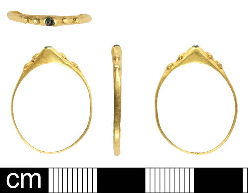 SOM-84A403: Medieval finger ring