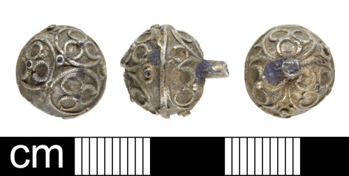 SOM-66CE77: Post medieval pin head