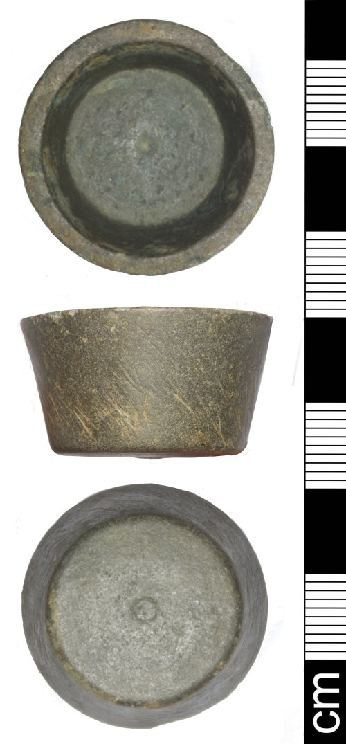 SOM-1CF6EE: Post Medieval cup weight