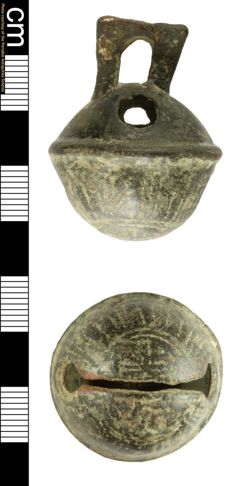 SOM-2C5AC7: Post medieval bell