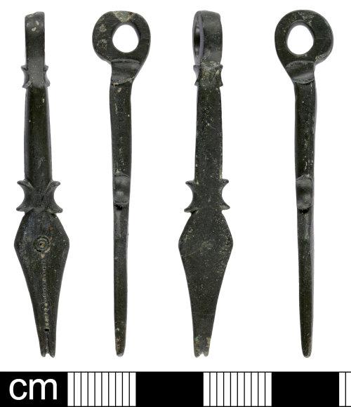 SOM-7C1434: Roman nail cleaner