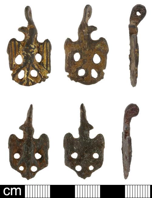 SOM-7E75B7: Medieval harness pendant