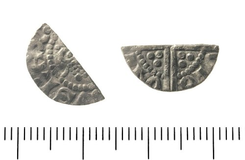 IOW-E10751: Medieval Coin: Cut Halfpenny of Henry III.