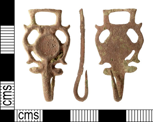 IOW-0BADEE: Post-Medieval Dress-hook. Read Class E, Type 3