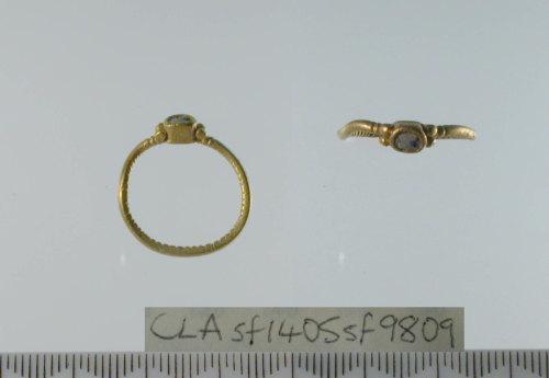 SF9809: Roman finger ring