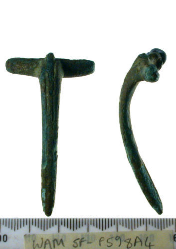 SF-F598A4: Brooch