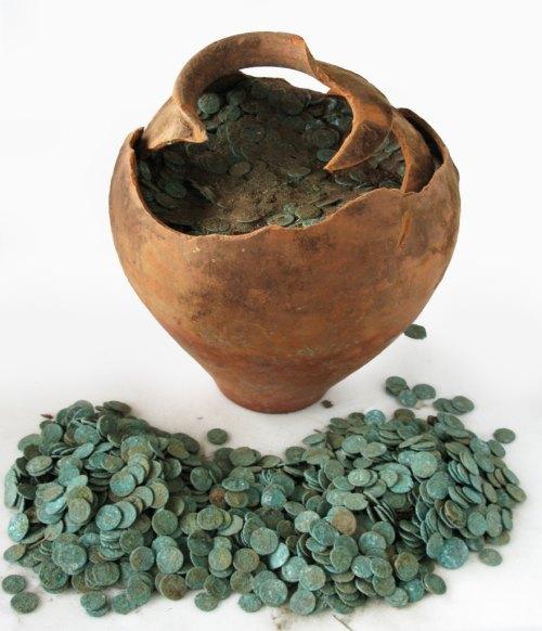 HESH-658701: Coin hoard, 2009T450